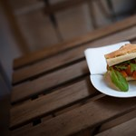 Odakenjük a briteket – négy szendvicsező, négy történet
