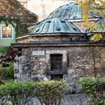 Felújítják, két évre bezár a Király fürdő