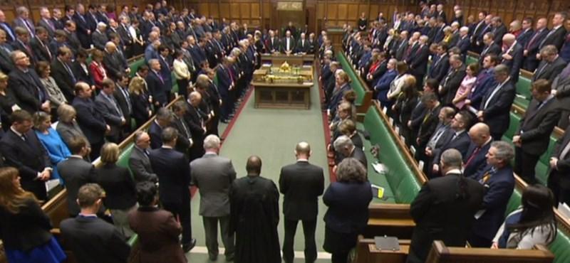 Megdőlt a leghosszabb kiejtett szó rekordja a brit parlamentben