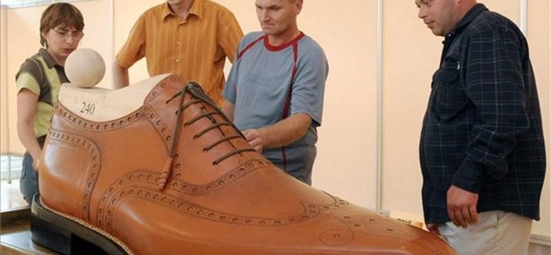 Fájdalmas lábproblémákat okozhat a kényelmetlen cipő