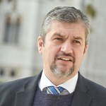 Hadházy reméli, Jakab Péter szégyelli, hogy a Jobbik beállt Tóth Csaba mögé
