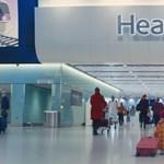 Idén is hazatérnek karácsonyozni a Heathrow reptér mackói – videó