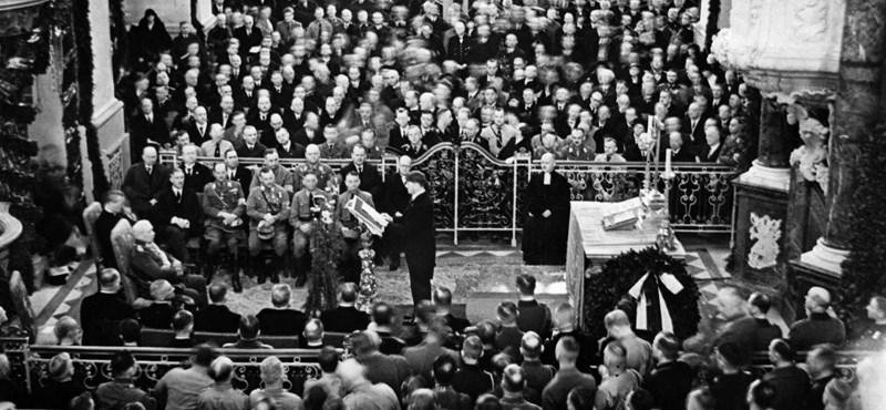 A nácik helyett egymás ellen harcoltak a német baloldali pártok