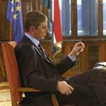 Az oktatási jogok bizosa dönt a történelemkönyvbe került miniszterelnökök kérdésében