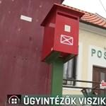 Lebetegedtek a postások, ügyintézők viszik ki a leveleket Rajkán
