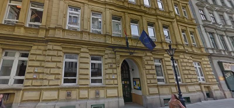 Hotelt építenének a budapesti gimnáziumba?