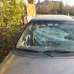 Karddal támadt haragosa autójára