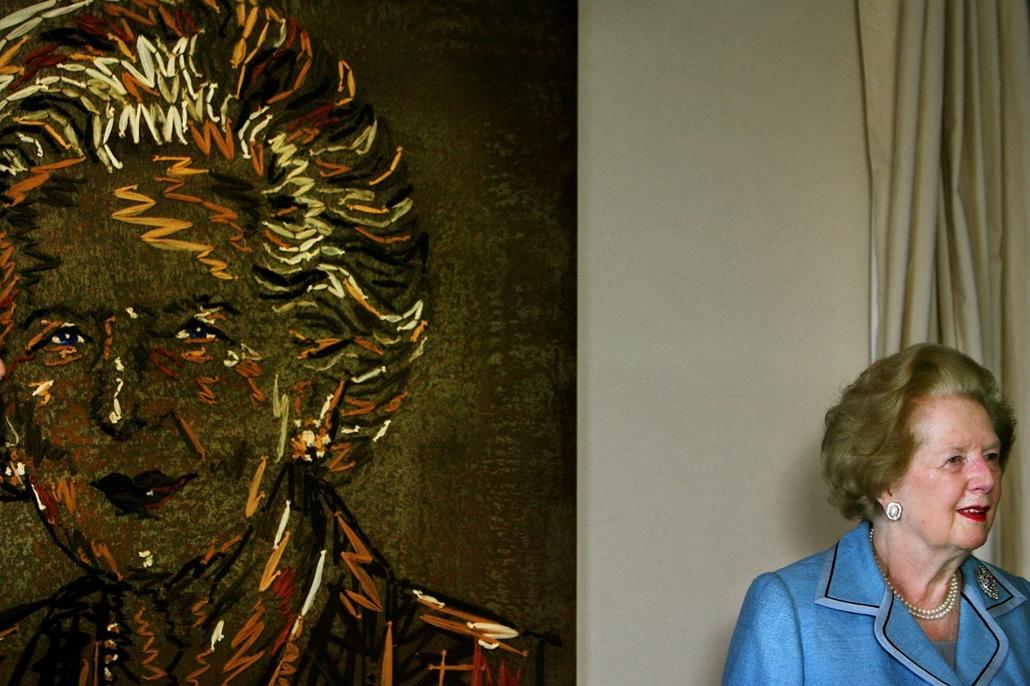 2006. augusztus 1. - Margaret Thatcher a Benjamin Shine által készített festmény előtt. - Margaret Thatcher