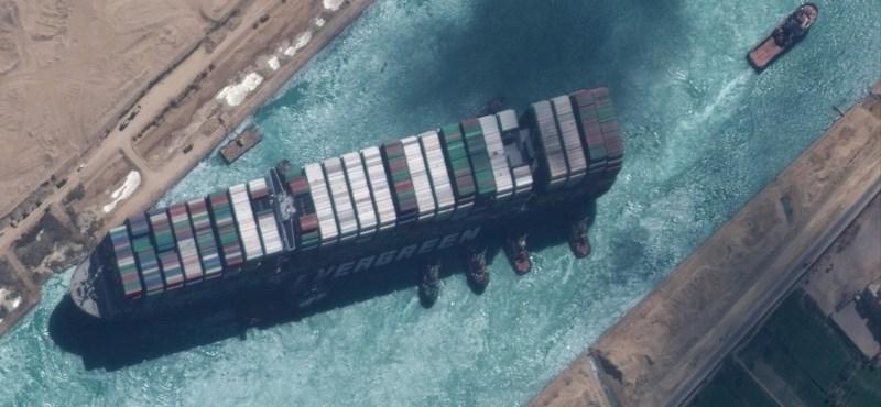 Még a Google keresője is megünnepelte a megrekedt teherhajó kiszabadulását