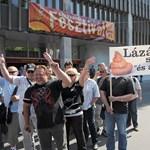 """A """"tettrekész"""" rendőrök tüntetnek a Kossuth téren - fotógaléria"""