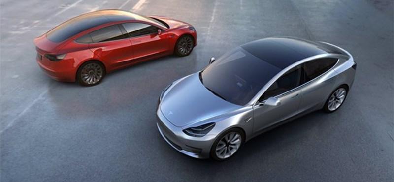 Komoly gondban a Tesla: nagyon, de nagyon kevés készült az új villanyautóból