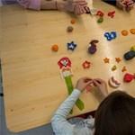 Az öt évesnél fiatalabb fertőzött gyerekek fele tünetmentes egy új kutatás szerint