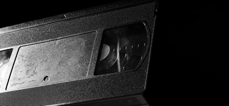 Se alquiló una cinta de video en 1999 y no se ha recuperado desde entonces; en 2021 es un desastre.