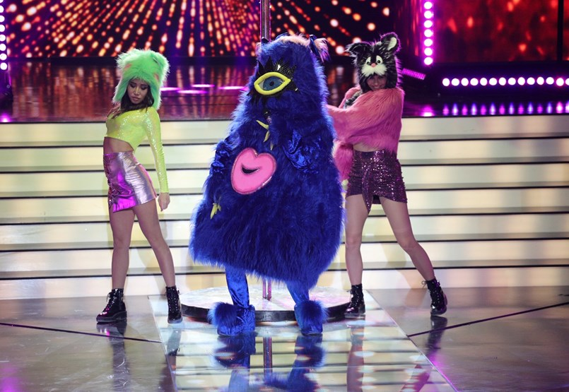 Vajna Tímea talpig szőrben, Hargitai Bea egyenesen az űrből – a TV2 vagy az RTL Klub maszkos őrültsége jobb?