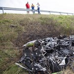 Fotók: Az nem lehet, hogy ennyi maradt az M7-esen kigyulladt Lamborghiniből