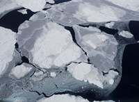 Rossz hír jött az Antarktiszról: az eddig stabil pontokon is olvadni kezdett a jég