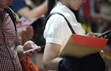 A magyar 14 évesek több mint felének van mobilinternet a telefonján
