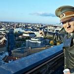 Ölelték és ütötték a Hitler-film főszereplőjét