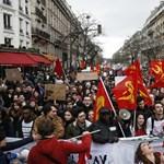 Gimnáziumokat foglaltak el tüntető diákok Franciaországban