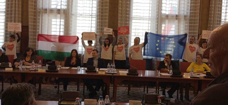 Újabb civil szervezet tiltakozik a megbélyegzés ellen