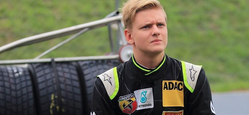 """Son of the nearest Michael Schumacher, """"Width ="""" 800 """"Height ="""" 370"""