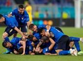 Locatelli élete meccsét játssza, kettővel mennek az olaszok - kövesse velünk az Eb-t percről percre