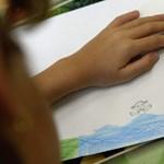 Menekítik a szülők a gyerekeiket az állami oktatásból, nagy a tolongás az alapítványi iskolákban