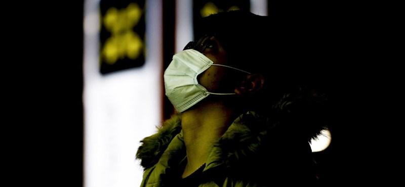 Kína és Oroszország gőzerővel nyomja a népbutítást koronavírus-ügyben