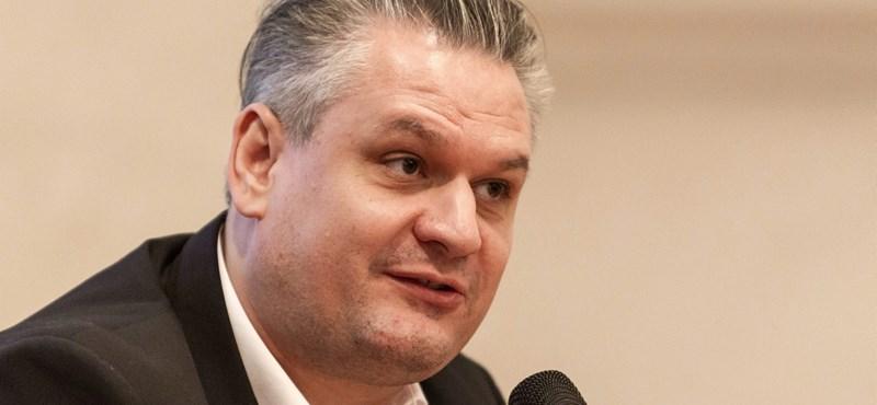 Több mint 12 millió forinttal távozik posztjáról egy államtitkár