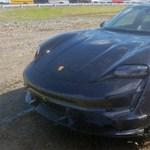 10 perc alatt roncstelepre került a vadonatúj Porsche Taycan