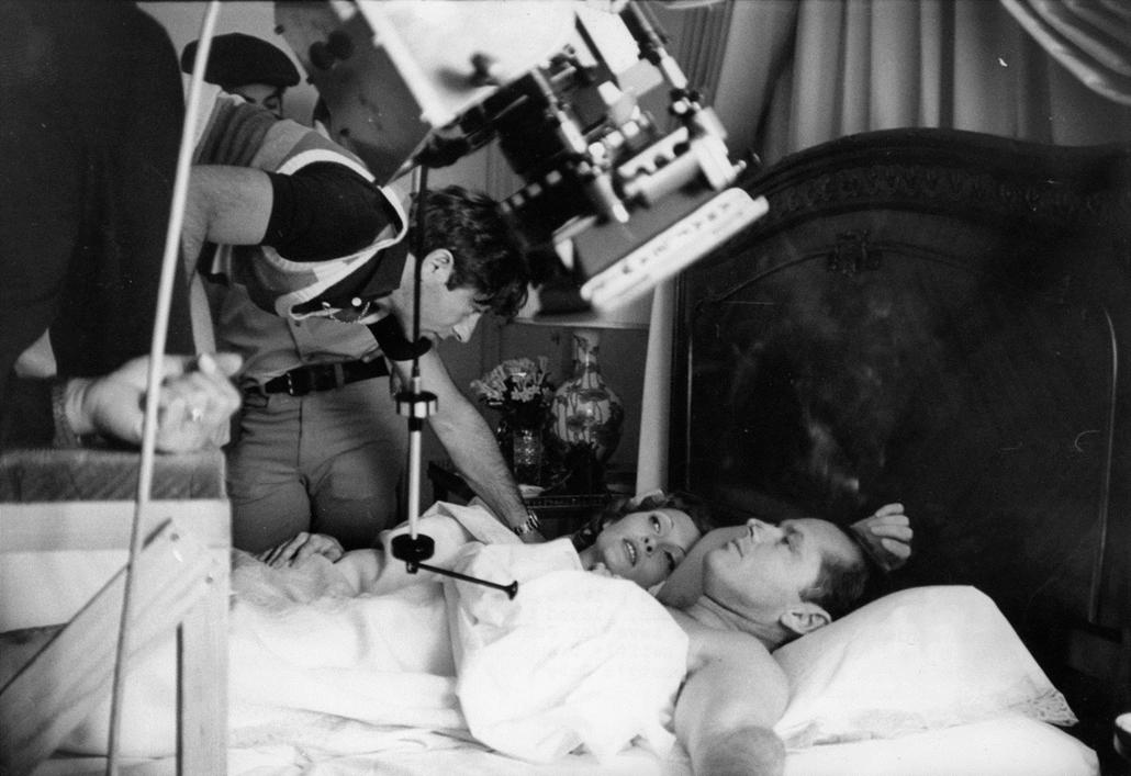 afp.1974. - Roman Polanskival és Faye Dunaway-el a Chinatown című film forgatásán 1974-ben. - Jack Nicholson nagyítás, John Huston