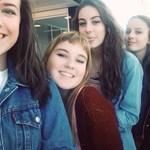 Öt diáklánynak elege lett a folytonos tapizásból