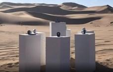 Ha a namíbiai sivatagban jár, és egy Afrikáról szóló dalt hall, az nem véletlen (videó)