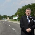 Nyomozást rendelt el a rendőrség a fideszes Szabó Zsolt körzetének közbeszerzései miatt