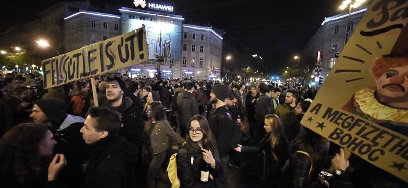 Hatalmas éjszakai after party-ba csapott át a szerdai civiltüntetés
