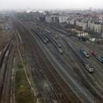 Kisiklott vonat borítja fel a vasúti közlekedést a fél országban