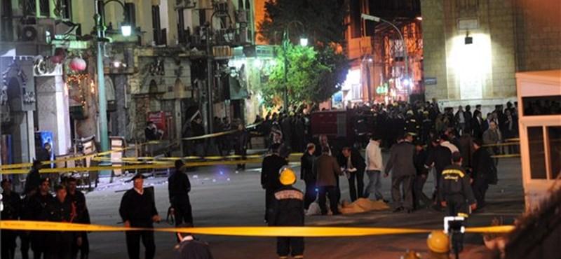 Pokolgépes merénylet Kairóban - turisták haltak meg