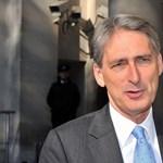 Még nem is lett kormányfő Boris Johnson, már beígérte a lemondást legtekintélyesebb minisztere