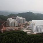 30 ezer malacnak építettek emeletes panelházakat Kínában