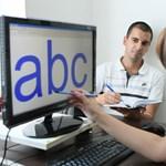 Radikális változás: törlik a kézírás oktatását az iskolai tantervből