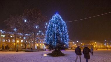 Tényleg megjött a tél: Nagykanizsán már havazik
