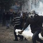 Piros vér Kairó utcáin - Nagyítás-fotógaléria