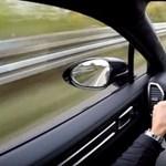 Több mint 2000 kiló a Porsche Cayenne Turbo, de ha kell, 300-zal megy – videó