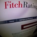 Piros pontot kapott három magyar bank a Fitchtől