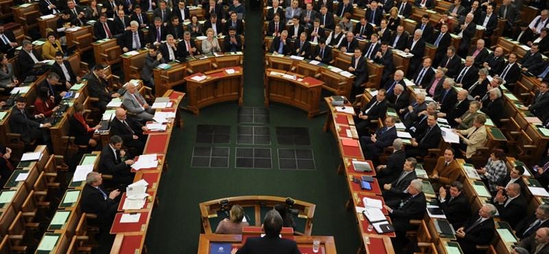 Paks II.: Lehet hinni a kormánynak, és lehet a számoknak