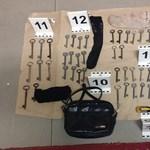 Profi kulcskészlettel jártak fosztogatni a szarvasi tolvajok – fotó, videó
