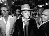Ha Tony Curtis személyes holmijaira kíváncsi, irány Mátészalka
