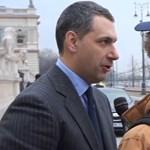 Lázártól, Semjéntől pénzt kértek Orbán évértékelőjén – videó