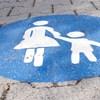 Nőjogi szervezet kritizálja a kapcsolattartás szabályainak változását
