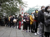 Hongkongban rizsért és vécépapírért ölik egymást az emberek